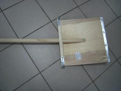 Лопата снеговая 380*380 с/ч (фанерная)(Н.Новгород), арт.: 647074